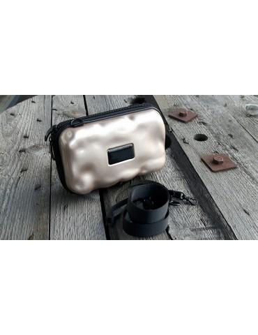 Damen Tasche Schultertasche Crossbag Hartschale bronze