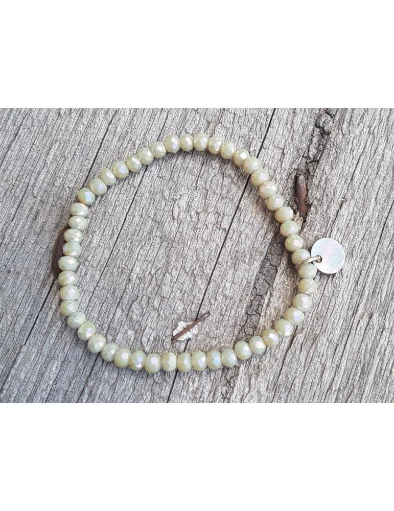 Armband Kristallarmband Perlen lindgrün klein Glitzer Schimmer elastisch