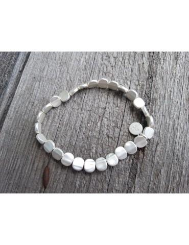 Armband Metallarmband Perlen klein silber matt Plättchen elastisch