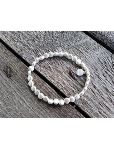 Trendiges Damen Armband elastisch silber matt flache Perlen klein Kunststoff Metall Onesize