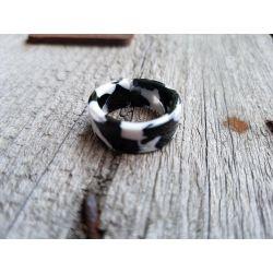Ring Damenring Kunststoff schwarz weiß Phantasiemuster