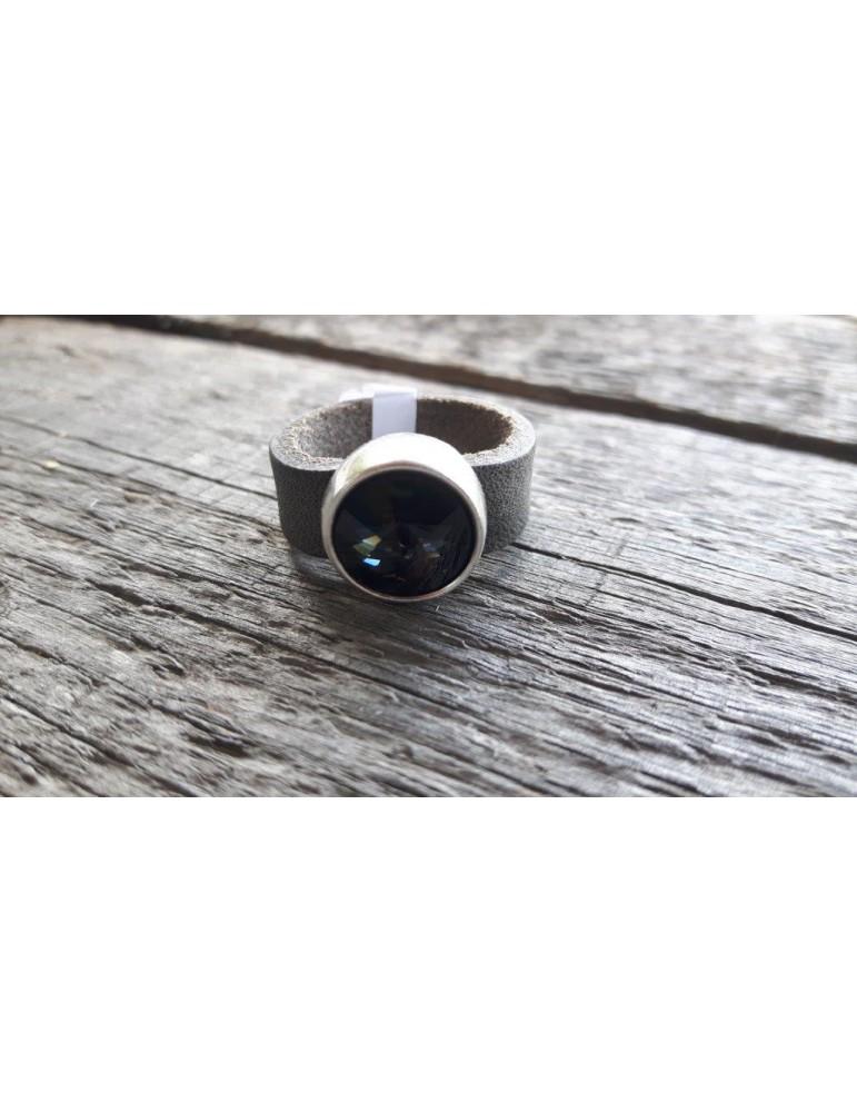 Ring Damenring Echtes Leder Metall taupe braun grau Strass Stein Gr. 19 12921
