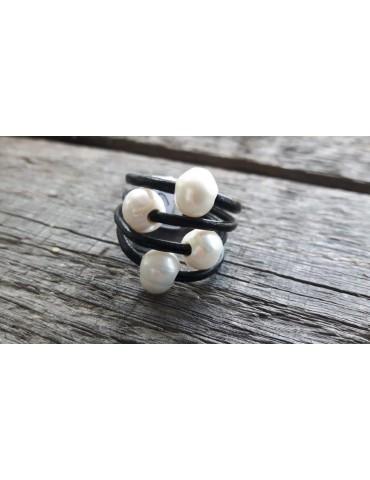 Ring Damenring Echtes Leder Metall schwarz silber Perlen